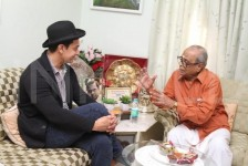 Aamir khan meets k balachandar