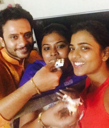 Aishwarya Rajesh family: With brother & Mother