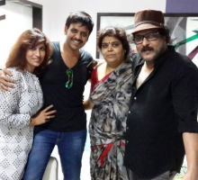 Akul balaji with v ravichandran family