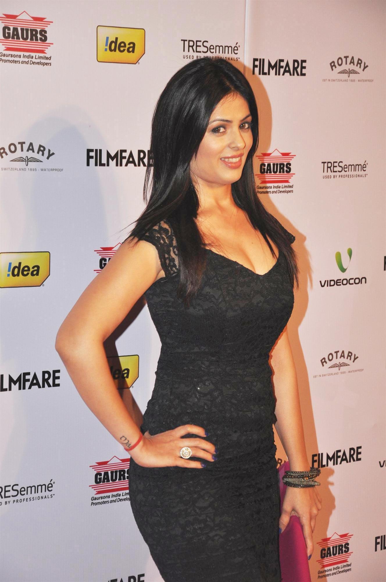 anjana sukhani hot scene