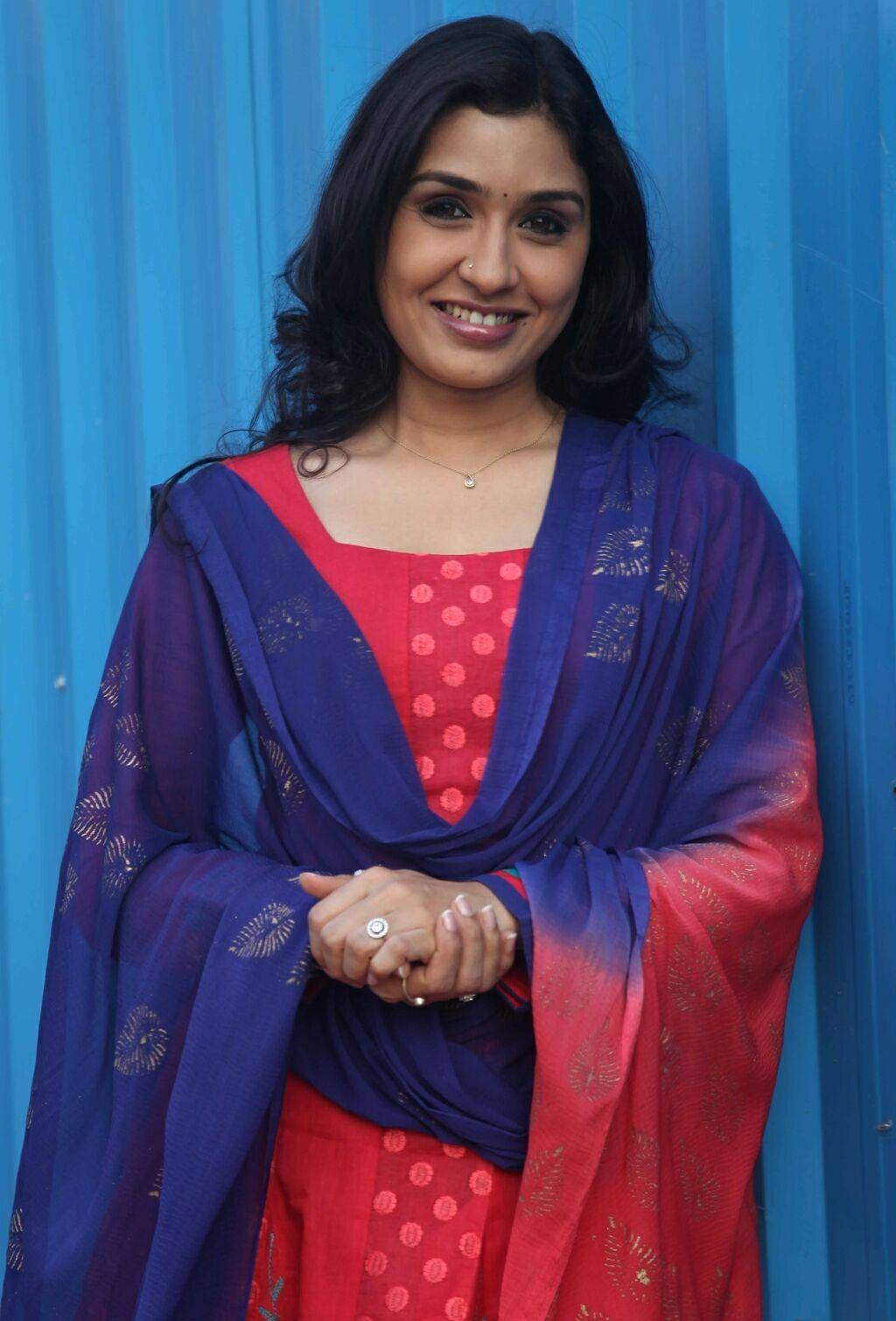 Watch Anu Prabhakar video