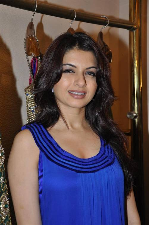 Bhagyashree Patwardhan Photos, Pictures, Wallpapers,