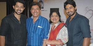 Devaraj family picture: devaraj with wife chandralekha and sons prajwal devaraj and pranaam devaraj