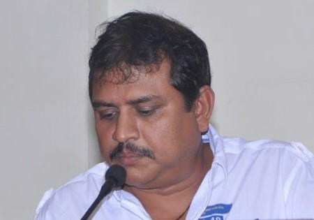 5 Reasons why VelainuVandhuttaVellaikaran should not be missed.