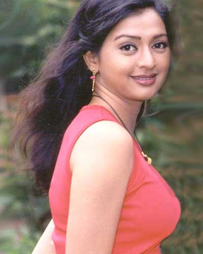 gayatri jayaraman journalist