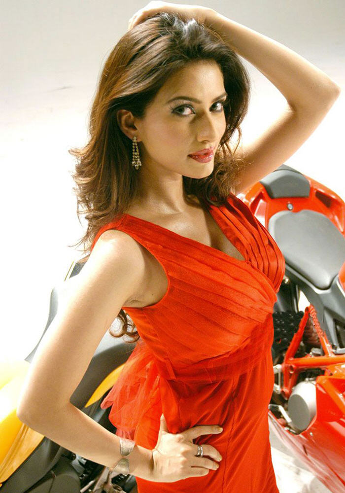 Gowri Pandit Photos, Pictures, Wallpapers,