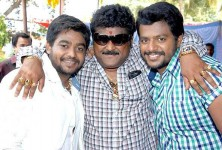 Jaggesh family: jaggesh with sons, yathiraj and gururaj
