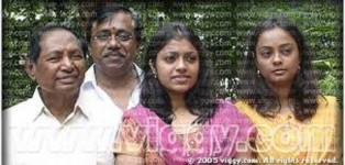 K.c.n. chandrashekar with his daughters kavya, spoorthi and father kcn gowdru.