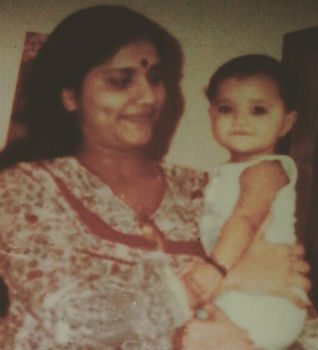 Mamta Mohandas childhood photo with Mom