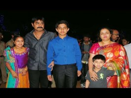 Meka srikanth with wife and children