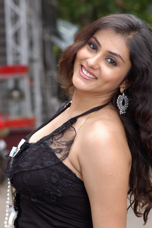 100 hot Pictures of Namitha | Namitha Pictures Collection