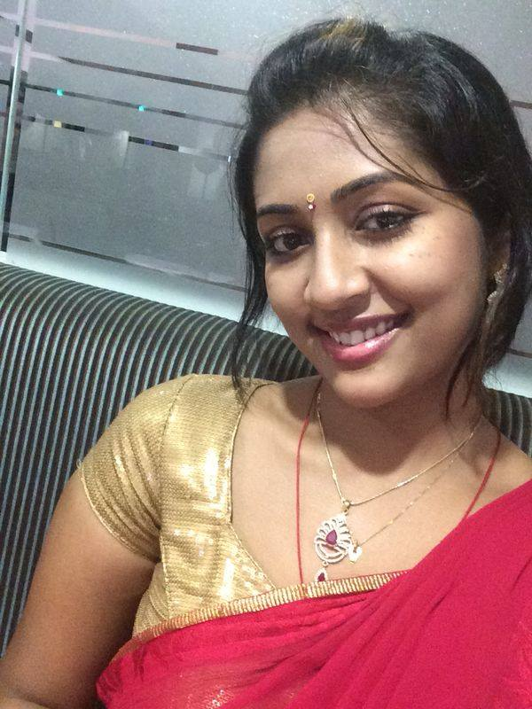 Navya nair photos pictures wallpapers for Hot family pics