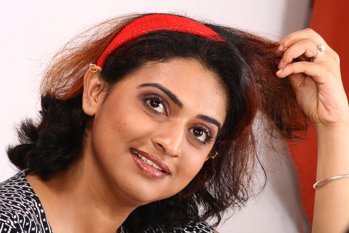 Pavithra Lokesh Photos, Pictures, Wallpapers,
