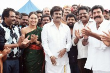 Rajinikanth, sonakshi sinha, rockline venkatesh and ks ravikumar at lingaa movie set.