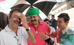 Rajkumar hirani, sanjay dutt and aamir khan on the sets of movie p.k