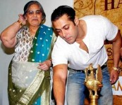 Salman khan with his mother sushila charak