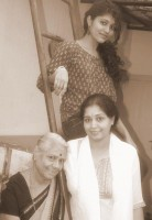 Samyukta hornad with family- mother & grand mother