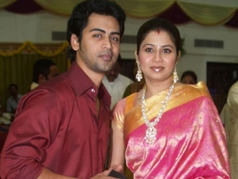 Sangeetha with husband singer krish
