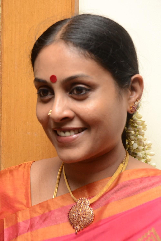 Serial actress Saranya Sasi hot photos - Mallufuncom