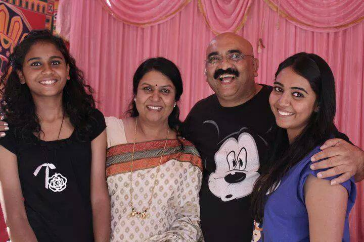 sihi kahi chandru family photos