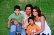 Singer shaan with wife radhika mukherjee family. two sons, soham and shubh
