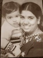Srujan lokesh childhood photo with mom girija lokesh