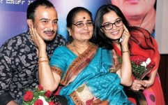 Sunil rao with mother sumithra and sister sowmya