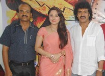 Upendra with wife priyanka and brother sudheendra