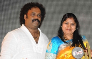 Vani harikrishna with her husband v harikrishna