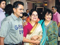 Vinod raj with mother and actress jayanthi