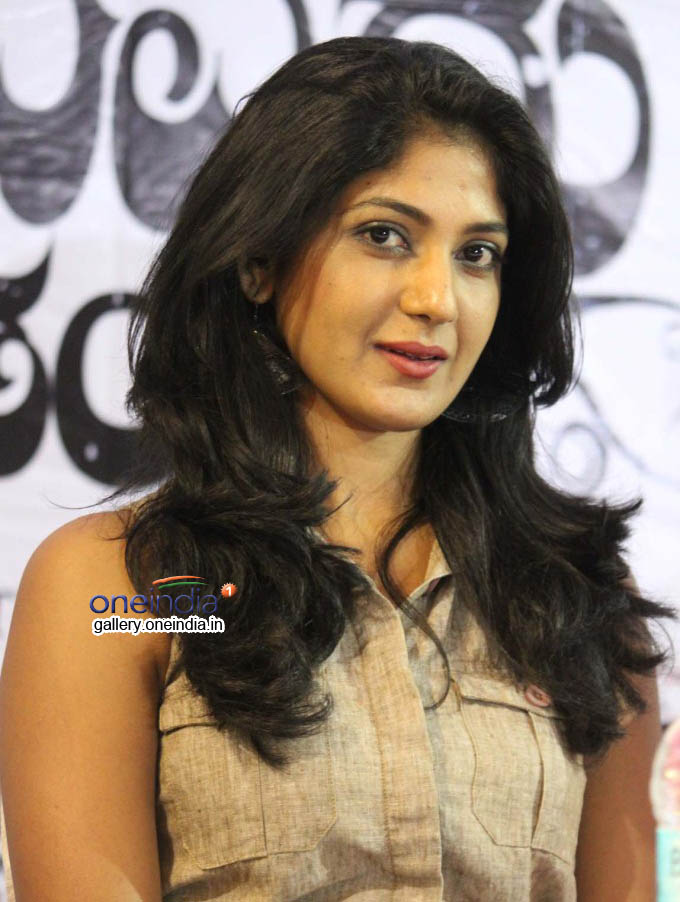yagna shetty kannada movies