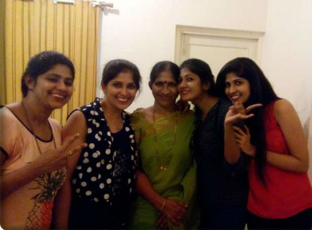 Yagna Shetty family: Mother Jayanti Shetty & sisters Mahalakshmi Shetty, Gayathri Shetty and Ashwini Shetty