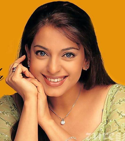 Juhi Chawla : Kannada Actress Age, Movies, Biography, Photos
