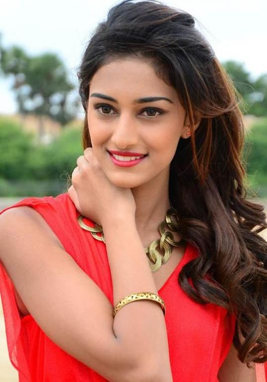 Erica Fernandes Movies, Biography, Photos